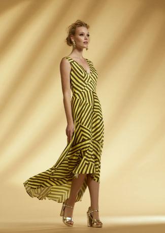 Vestido asimétrico con cortes en satén estampado
